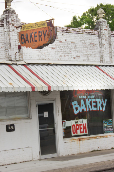 Champagne's Breaux Bridge Bakery: For Cajun recipes and Cajun cooking.