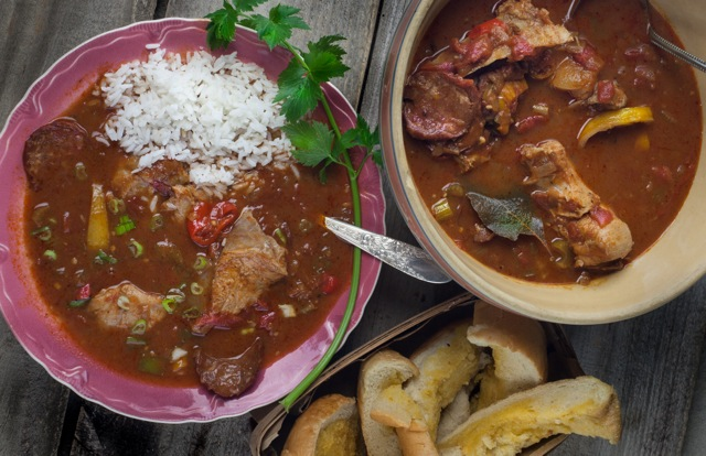 Catfish Head Stew is a tasty Cajun recipe and common in Cajun cooking.