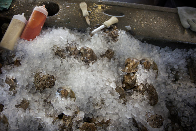 Oysters on ice at Felix's Oyster Bar.