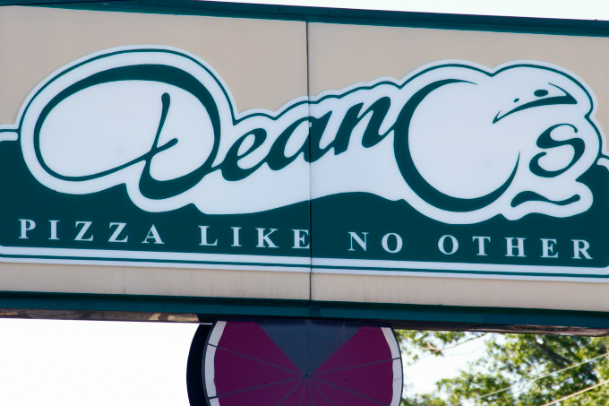 Deano's sign